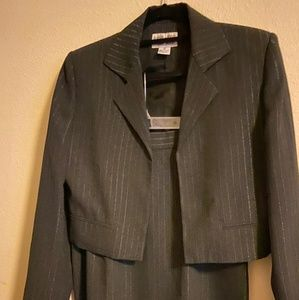 Medium Grey Suit with matching skirt 8